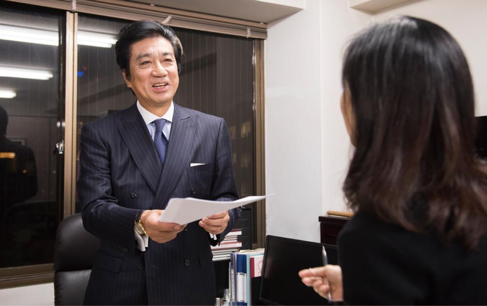 弁護士 山田秀雄