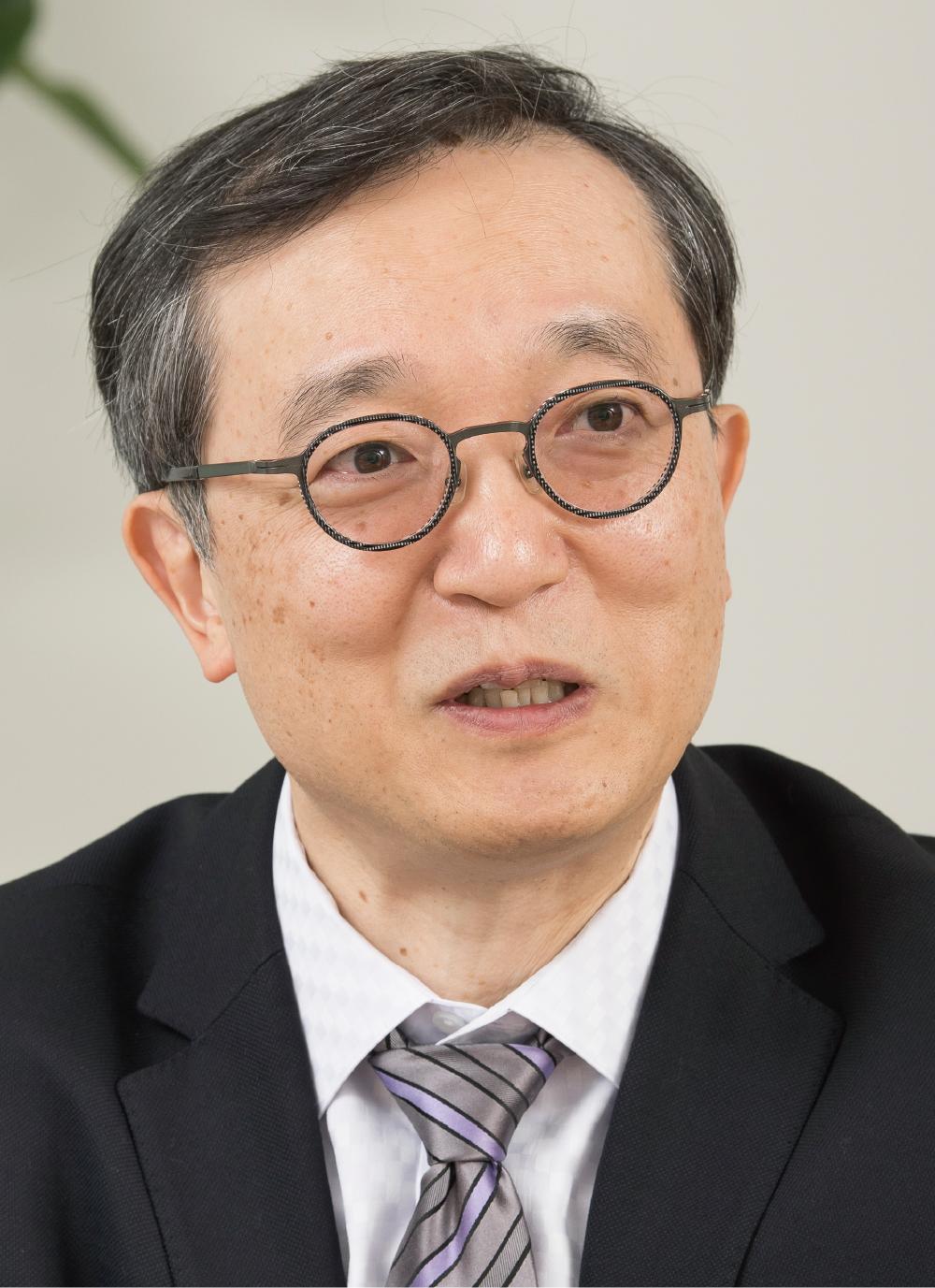 ユニー・ファミリーマートホールディングス株式会社 CSR・管理本部 法務部