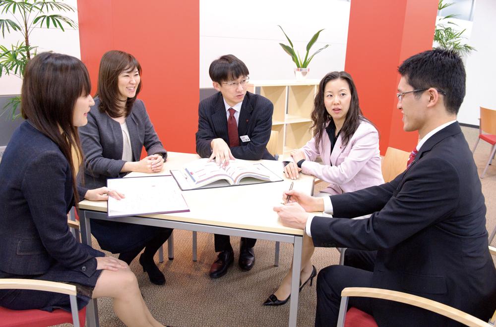 住友生命保険相互会社 法務室